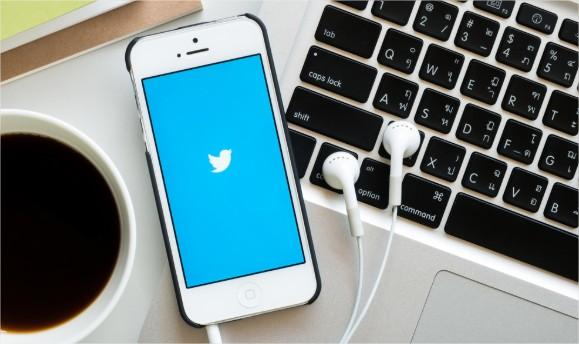 agence-web-geneve-twitter-pub-mobile